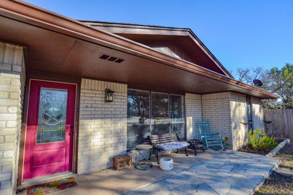 125 Wild Timber Dr, Kerrville, TX