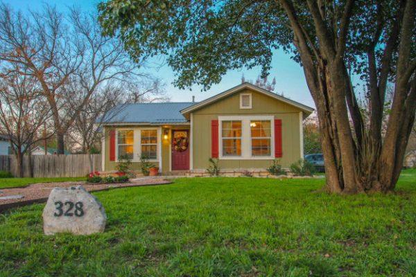 328 W Main St, Kerrville TX
