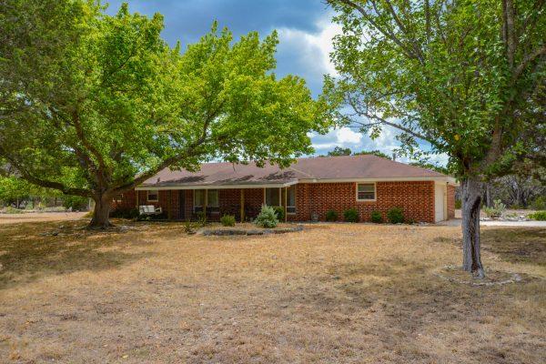 174 Pleasant View Dr, Kerrville, TX