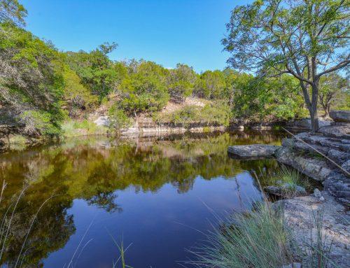 395 Indian Lake Dr, Kerrville TX